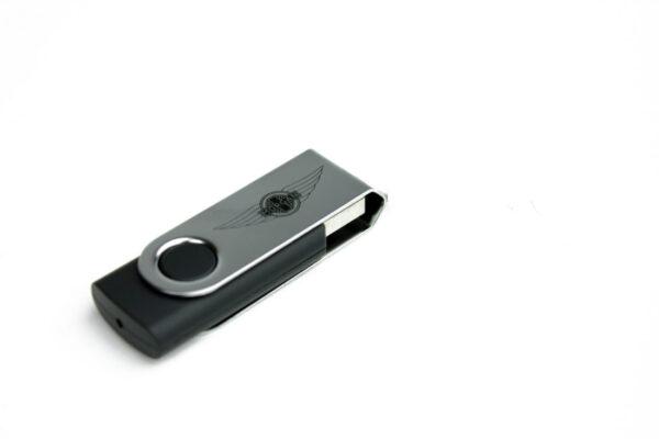 8GB Memory Stick-2983