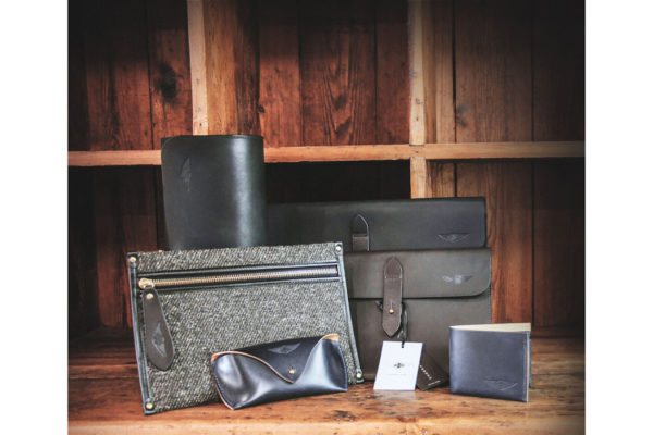 Textile & Leather Trim Zip Pouch - Cherchbi-3359