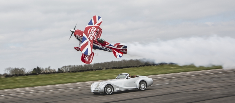 Morgan Aero 8 vs Muscle Biplane